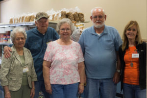 grocery-room-volunteers